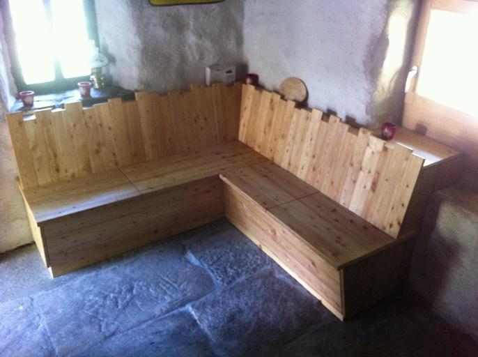montagen. Black Bedroom Furniture Sets. Home Design Ideas